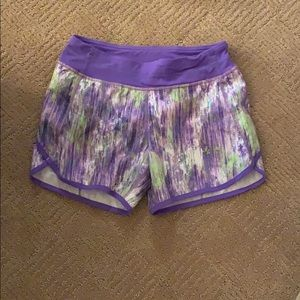 Girls ivivva shorts.